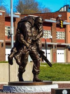 broze statue J Hawke